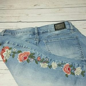 EARL jeans floral embroidered